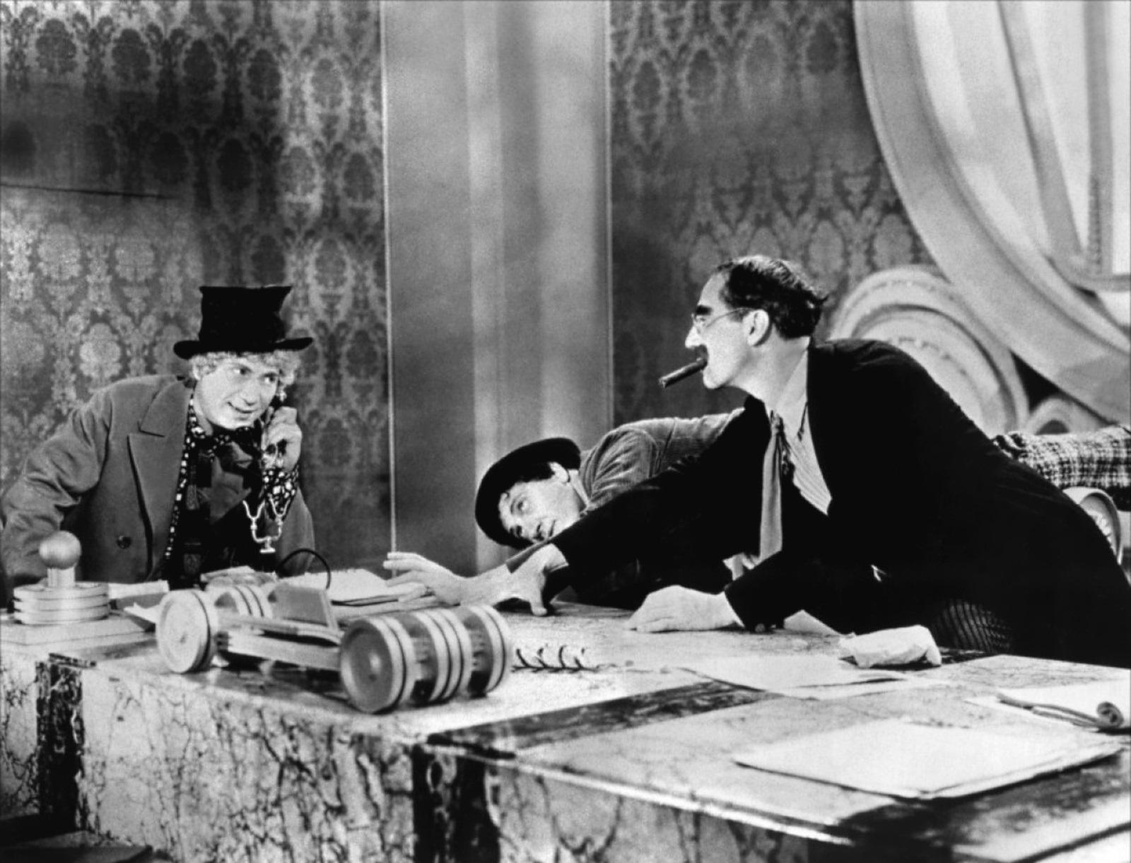 Groucho Marx, La Energía Nuclear… Y Las Generaciones Futuras
