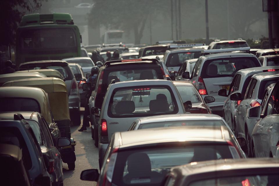 La Contaminación Provocada Por Los Automóviles Se Lleva La Vida De Miles De Personas