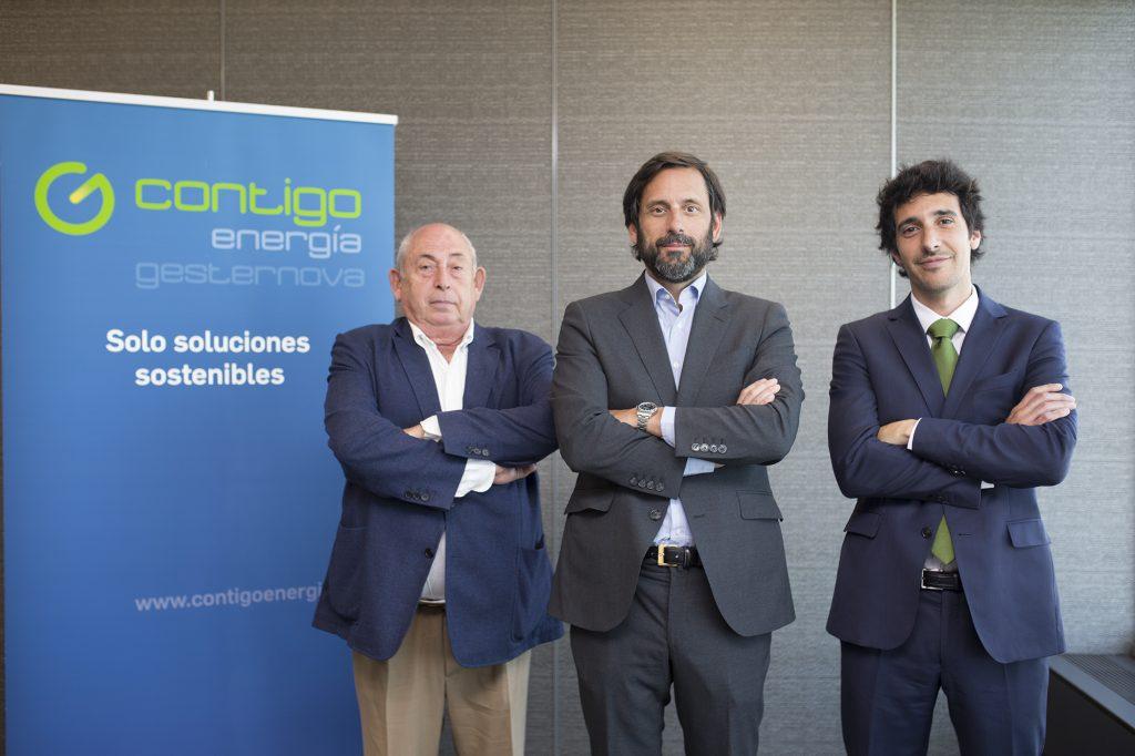 De izquierda a derecha, José María González Vélez, Jorge González Cortés y Javier Avendaño